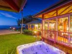 Paradise at Puako Hylton Beachfront Villa with Home Theatre and jetted tub