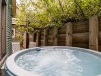 Outdoor 6-Person hot-tub with privacy