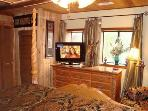 King Suite - HDTV with built-in DVD Player