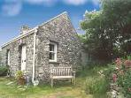 Holiday Cottage - Ty Lucy, Trelerw, Nr St Davids