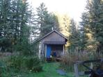 Glacier Bay Cottage in the heart of Gustavus