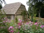 Luxury 2 Bed Cottage in the Heart of the Cotswolds