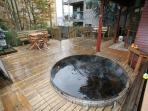 Cedar Hot Tub and Large Deck for BBQ