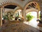 Casa Guacamole, charming,dramatic 4 bedroom villa