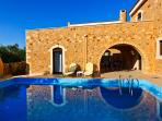 3 Bedroom,private pool villa + breakfast and Bbq