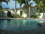 La Casa On Tenth: Private Pool and tropical oasis