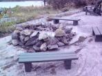 fire pit area w/ benches