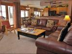 Ski to within 30 Yards of the Condo - Private Shuttle & City Shuttle Service (3708)