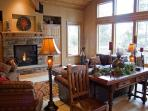 Upscale Sunriver Home with 4 Master Suites and SHARC passes on North End