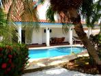 Villa - exceptional garden with pool, near beaches