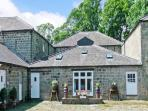 BARN OWL COTTAGE, pet friendly, character holiday cottage, with a garden in Pateley Bridge, Ref 12884
