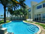 The Beach House Oceanfront home - Hot Deal Dec/Jan