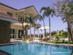 Luxury 4 bedroom Villa with pool, 400m from beach.
