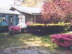 3 Bedroom Cottage, great bayside location