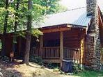 Secluded 2 bedroom+ loft log cabin with view