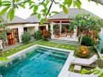 LUXURY  3 BEDROOMS VILLA FOR RENT IN LEGIAN