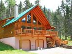 Gorgeous 4 Bedroom Mountain Cabin on 1 acre