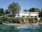Golden Clouds at Oracabessa, Jamaica - Beachfront, Pool, 15 Minute Drive To Ochos Rios