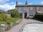 PYE HALL COTTAGE, spacious accommodation, attractive garden, close to walks, nature reserve, coast, in Silverdale, Ref 11939