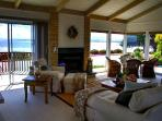 Oceanfront View, Pet, Fireplace Remodeled Kitchen