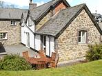 PARC COTTAGE, open fire and woodburner, pool table, rural location in forest, near Lake Vyrnwy in Llanwddyn, Ref 13526