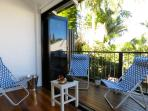 Award winning quiet retreat, close to cafes, City Cat and CBD