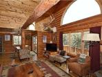 High-end home in Upper Red River with hot tub!!!
