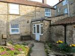 Daisy Cottage, stone cottage, sleeping four people, with courtyard, in Kirkbymoorside, Ref 15378