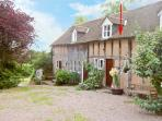HAYWAIN, upside down accommodation, fabulous surroundings, in Great Malvern Ref 16142