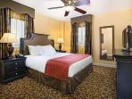 New Orleans Condo near FRENCH QUARTER! GREAT RATES