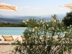Amazing Provence villa with infinity pool and magnificent view of the Luberon valley