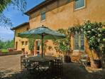 Chianti Estate - Scuola Piccola Villa to rent near siena - Chianti, vacation and holiday villa