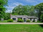 COUNTRY CAPE IN WEST TISBURY - WT DTOC-141