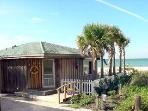 BEACHFRONT 2BR/1BA 'Marlin Hideaway' BUNGALOW *Hea