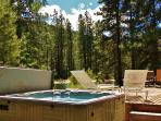 Pine Tree Cottage, Sleeps 6, Wi-Fi, Hot Tub