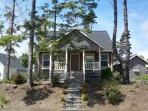 Cozy 2 BR Cottage-Great Cooks Kitchen, Pets Welcome