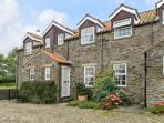 2 FLAT TOP COTTAGES, near York and scenic walks, pet-friendly, on the edge of Terrington Ref 18176