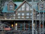 Beautiful riverfront cabin rental near the Shallowford Bridge on the Toccoa River