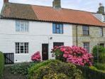 LION COTTAGE, near walks, over three floors, with a garden, in Hinderwell, Ref 18044