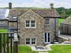 PADGES COTTAGE, superb pet friendly cottage with en-suite, garden, village location in National Park, Airton Ref 11669