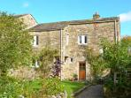 BRAMBLE COTTAGE, charming cottage, open fire, mature gardens, close gastropub, in NP, Hetton Ref 14275