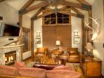 Lake Tahoe-West Shore Lakefront Villa-Ski in/out