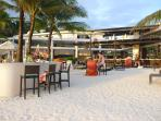 Discovery Shores-Voted the 5th Best Hotel in the World, 6 Minutes Leisurely Walk from the House
