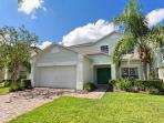 ON DISNEY'S DOORSTEP: 5 Bedroom Home with Complimentary WiFi