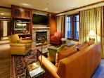 Chic Ritz Carlton Three Bedroom- superb Ski-in/Ski-out, Aspen Club & Spa access