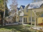 Family & Pet Friendly Home in Old Town - Walk to Shops, Restaurants, City Bus Stops (3469)