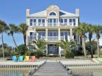 Luxury Beach Home W/ Pool, Kayaks & Beach Chairs. Boaters Paradise!