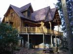 SPECTACULAR LOG CABIN. EASY ACCESS, WOOD-BURNING FP, OPEN THANKSGIVING/CHRISTMAS. TAKE A LOOK