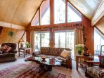 Discover Peaceful Private Lodge w/ views of Forest