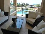 Luxurious & Modern 3 Bedroom Condo @ Eagle Beach